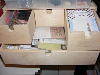 Pic8 ikea wooden box open